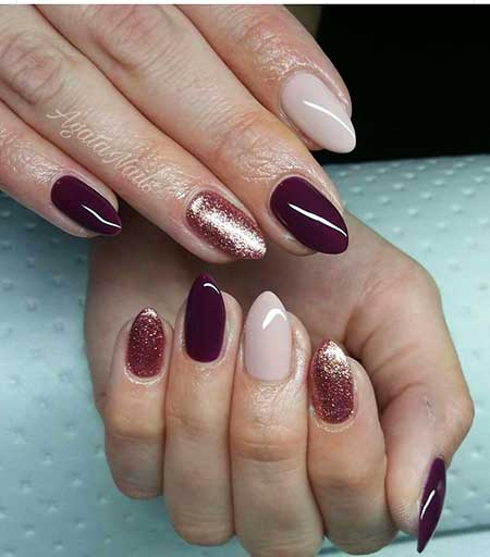 21 burgundy nails with gold glitter 6 burgundy wine nail art prinsesfo Image collections