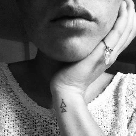 Tattoos Small Meaningful Symbols Ideas - 15