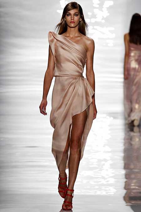 Runway Fashion Dresses Runway NewYork 2017 - 36