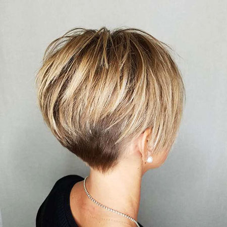 Short Layered Bob Balayage