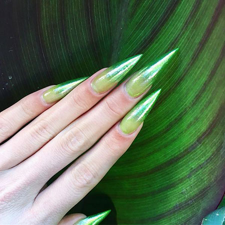 Nails Green Stiletto Nail