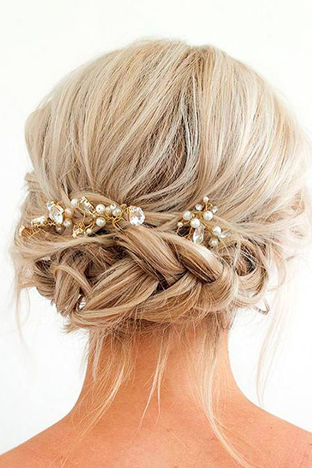 23 Updos For Short Hair