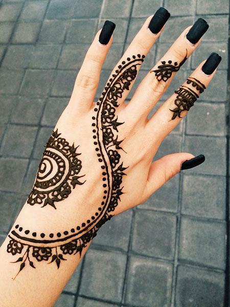 Henna Art Designs Hand