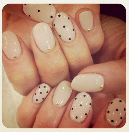 Nail Simple Elegant Dot