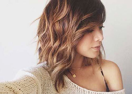 Layered Wavy Bob Blonde