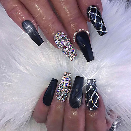 25 Best Black Nail Designs