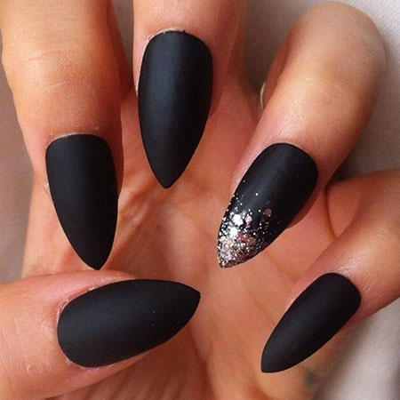 Nails Stiletto Matte Black