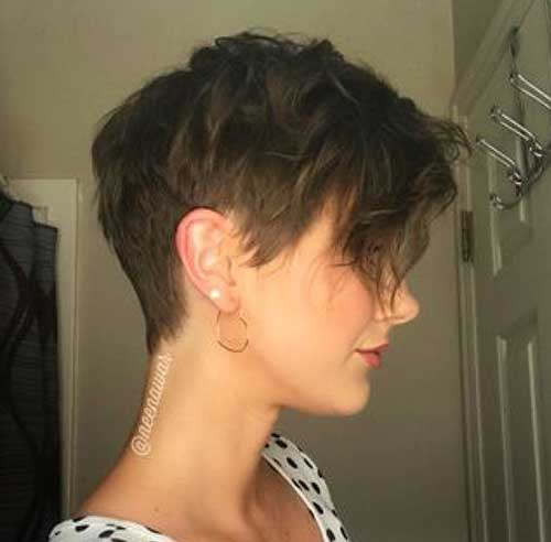 Hairstyles for Short Hair -23