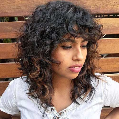 Medium Length Naturally Curly Hairstyles-10