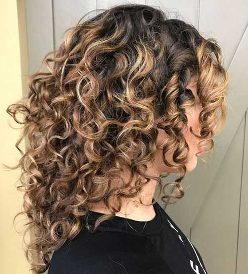 Medium Length Naturally Curly Hairstyles-6