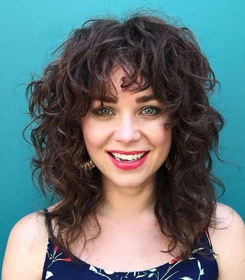 Medium Length Naturally Curly Hairstyles-7