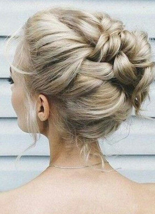 Bun Hairstyles for Summer-19