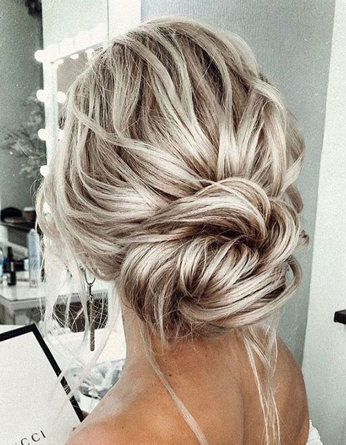 Bun Hairstyles for Summer-20