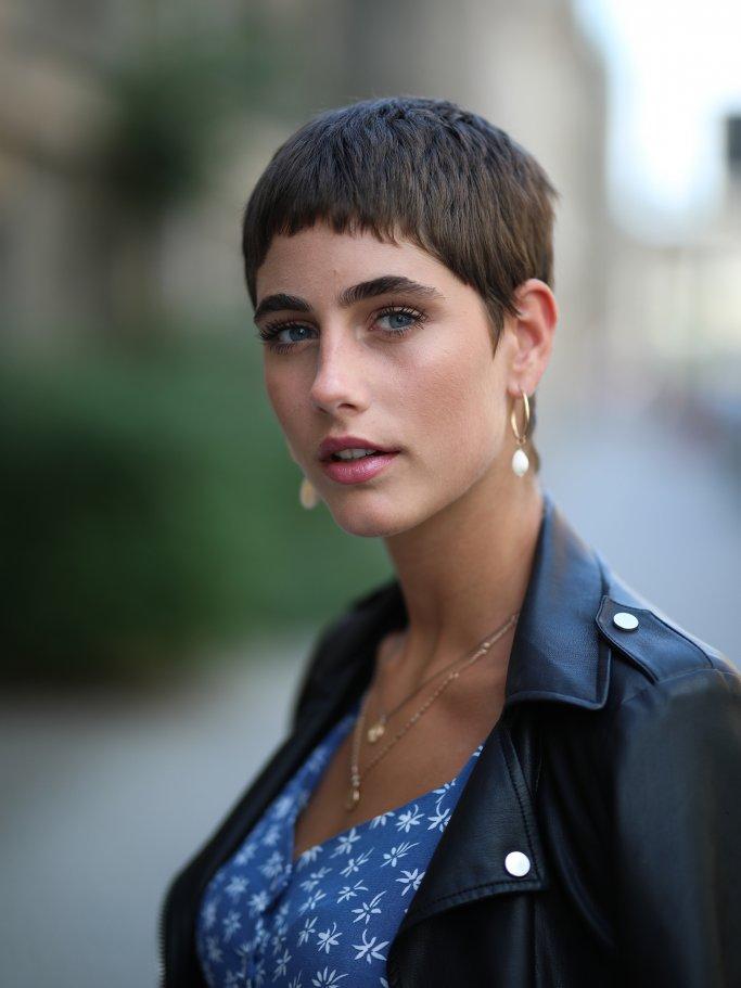Justine Klippenstein with very short hair