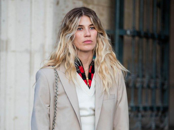 Veronika Heilbrunner with curls with an ombré effect